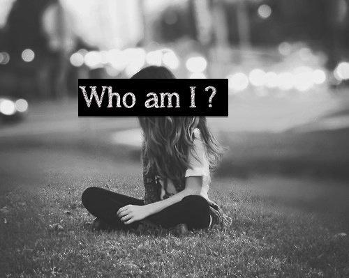 Ποιος είσαι τελικά